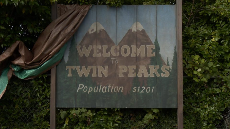 Twin-Peaks-Now-in-Production-Coming-to-SHOWTIME-in-2017