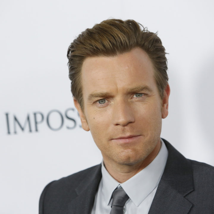 "Actor Ewan McGregor arrives at the premiere of the movie ""The Impossible"" at Arclight Cinema in Hollywood, California December 10, 2012. REUTERS/Patrick T. Fallon (UNITED STATES - Tags: ENTERTAINMENT) - RTR3BFS3"